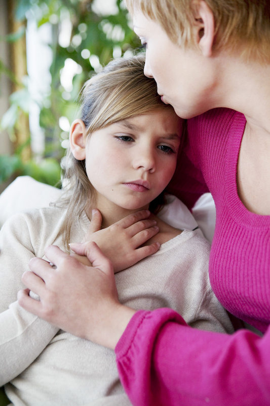 child with strep throat and mother