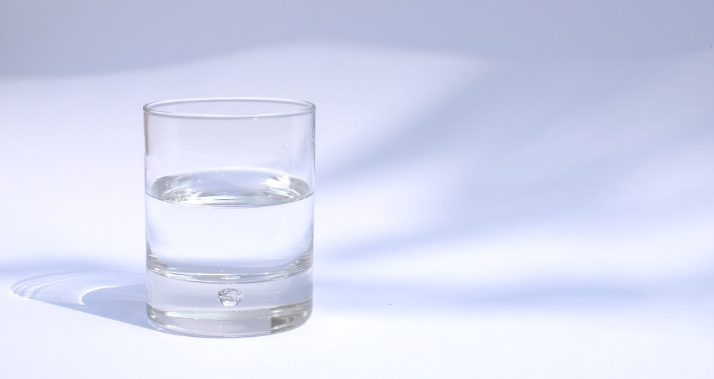 water glass - dehydration symptoms